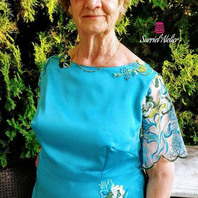 Surriel Atelier: confección a medida Barcelona: blusa a medida turquesa